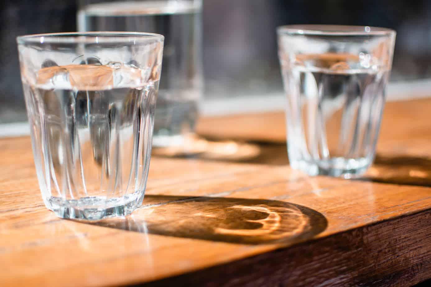 Begin de dag met 2 glazen water